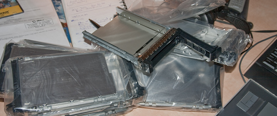 SAS/SATA Caddy Trays